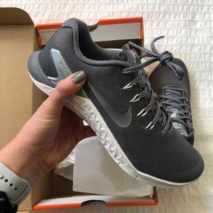 NWT Nike Metcon 4 - 7.5